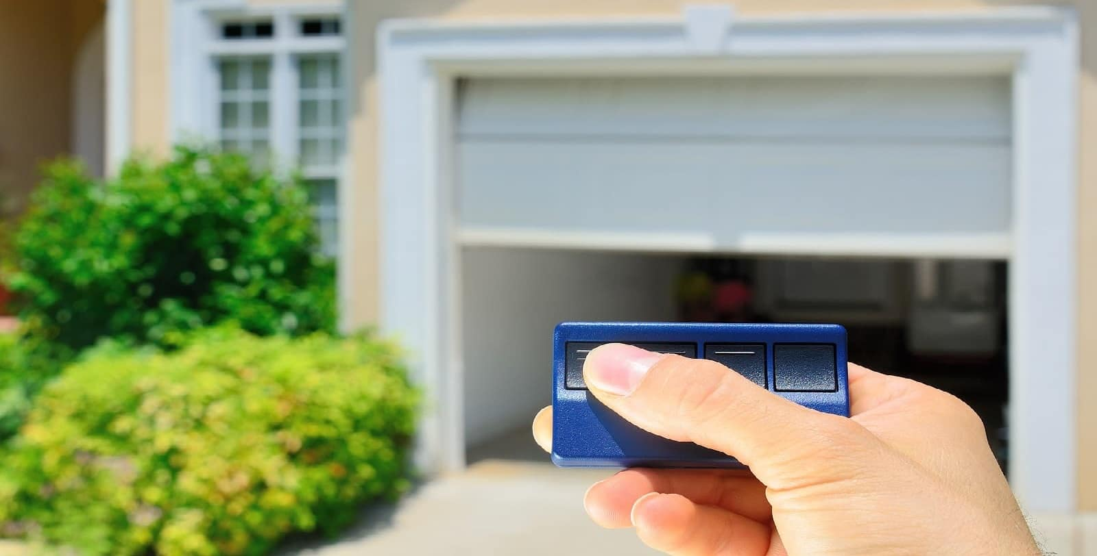 https://devices4home.com/wp-content/uploads/2019/03/Garage-Door-Opener.jpg